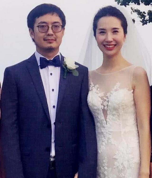 Li kỳ vụ ngoại tình của chủ tịch Taobao: Để Alibaba đầu tư vào công ty bồ nhí, hậu thuẫn người tình bán hàng online trên chính nền tảng của mình, vợ phải công khai dằn mặt tránh xa chồng tôi ra - Ảnh 5.