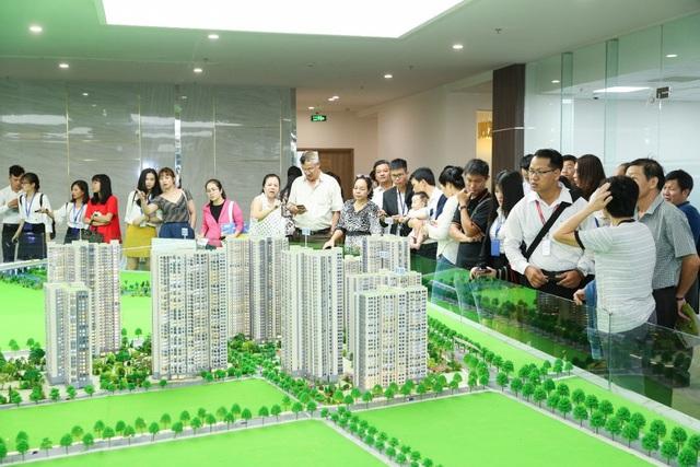 Có nên siết bất động sản cao cấp hay để thị trường tự điều tiết? - Ảnh 1.