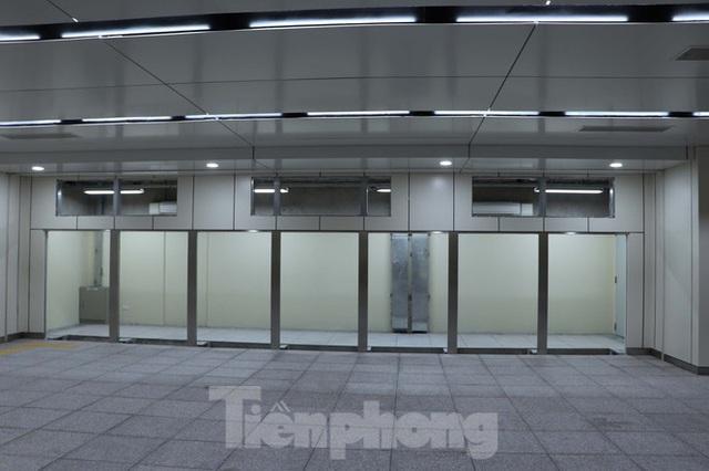 Chiêm ngưỡng nhà ga metro hiện đại đầu tiên dưới lòng đất Sài Gòn - Ảnh 13.