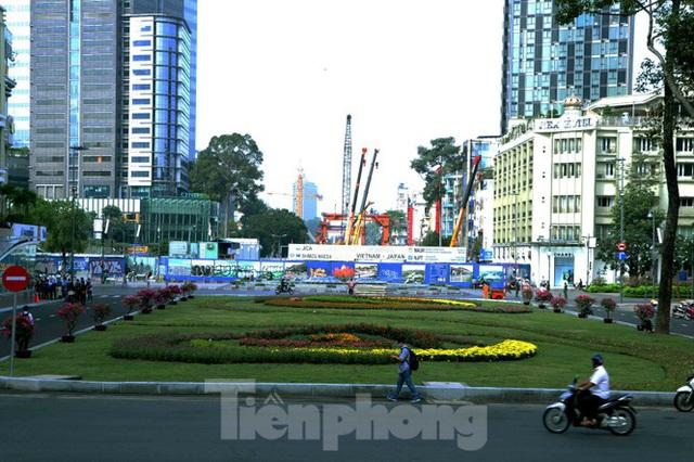 Chiêm ngưỡng nhà ga metro hiện đại đầu tiên dưới lòng đất Sài Gòn - Ảnh 14.