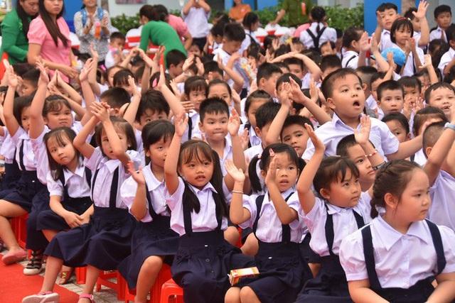 TP HCM: Học sinh đi học lại từ 4-5, phân bổ theo từng khối lớp, không tập trung đồng loạt  - Ảnh 1.