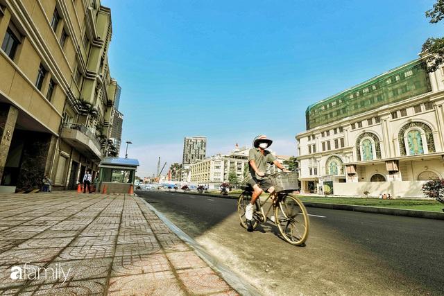 Người Sài Gòn choáng ngợp trước khung cảnh đại lộ Lê Lợi - Nguyễn Huệ - Đồng Khởi đẹp như trong mơ sau khi gỡ rào chắn để xây ga ngầm Metro - Ảnh 22.