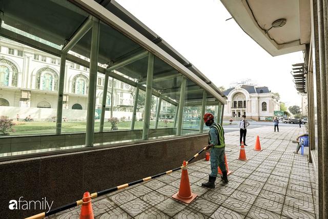Người Sài Gòn choáng ngợp trước khung cảnh đại lộ Lê Lợi - Nguyễn Huệ - Đồng Khởi đẹp như trong mơ sau khi gỡ rào chắn để xây ga ngầm Metro - Ảnh 23.