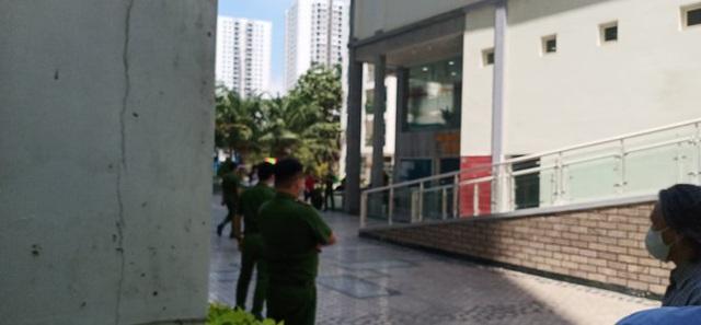 Thực nghiệm điều tra, cảnh sát 'đóng giả' tiến sĩ Bùi Quang Tín - Ảnh 1.