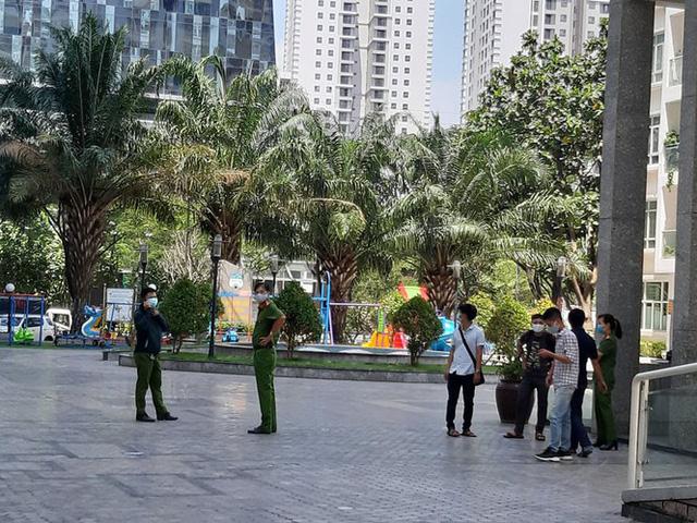 Thực nghiệm điều tra, cảnh sát 'đóng giả' tiến sĩ Bùi Quang Tín - Ảnh 2.