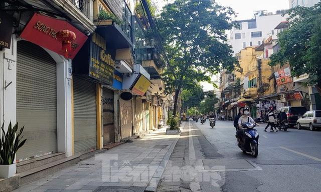 Tuyến phố đắt đỏ cả tỷ đồng/m2 ở Hà Nỗi vẫn chật vật tìm khách thuê - Ảnh 11.