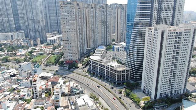 Con đường dài hơn 3km gánh cả rừng chung cư ở Sài Gòn - Ảnh 4.  Con đường dài hơn 3km gánh cả 'rừng chung cư' ở Sài Gòn photo 3 15882100072991303553946