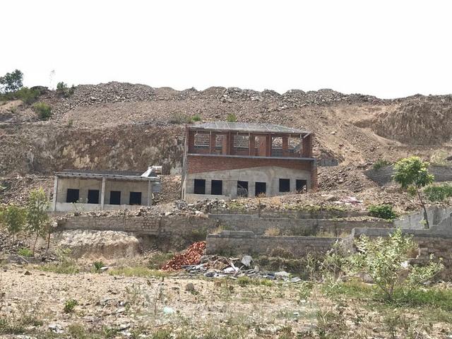 Nhiều dự án núi Cô Tiên xin khởi động lại dù vi phạm quy hoạch - Ảnh 1.