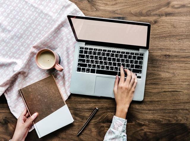 Nguy hiểm tiềm ẩn từ những tháng ngày làm việc tại nhà: Không tự đặt ra giới hạn, bạn sẽ phải đánh đổi bằng chính sức khỏe của mình - Ảnh 2.