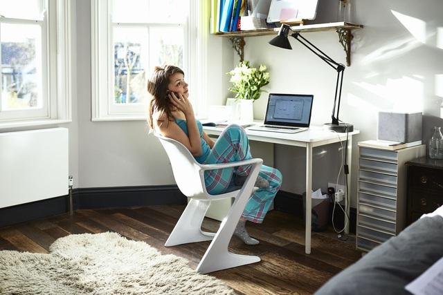 Nguy hiểm tiềm ẩn từ những tháng ngày làm việc tại nhà: Không tự đặt ra giới hạn, bạn sẽ phải đánh đổi bằng chính sức khỏe của mình - Ảnh 3.