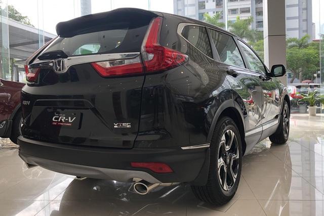 Thời điểm vàng mua ô tô tại Việt Nam: Từ xe sang đến phổ thông đua nhau đại hạ giá với mức giảm tới cả trăm triệu đồng - Ảnh 2.