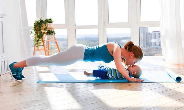 WHO khuyến cáo mức độ hoạt động thể chất bảo vệ sức khỏe mùa dịch cho các nhóm từ trẻ sơ sinh đến những người trên 18 tuổi - Ảnh 2.