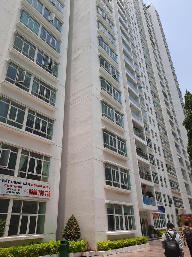 Lời khai ban đầu của người sau cùng còn ở lại căn hộ với tiến sĩ Bùi Quang Tín - Ảnh 2.
