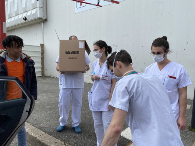 Đầu bếp người Việt nấu bún bò tiếp sức cho y bác sĩ Pháp chống dịch Covid-19: Một hành động tốt sẽ tạo ra những việc tốt khác - Ảnh 3.