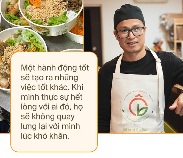 Đầu bếp người Việt nấu bún bò tiếp sức cho y bác sĩ Pháp chống dịch Covid-19: Một hành động tốt sẽ tạo ra những việc tốt khác - Ảnh 8.