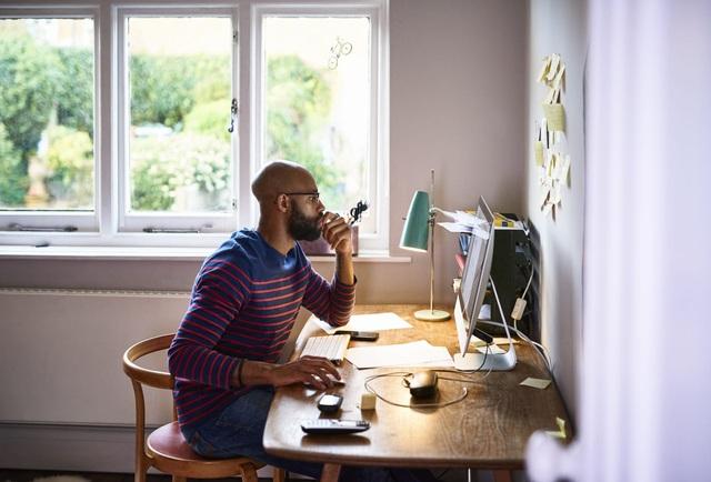 Người châu Á chật vật thích nghi với mô hình làm việc tại nhà: Khổ từ sếp đến nhân viên nhưng hứa hẹn nhiều lạc quan - Ảnh 2.