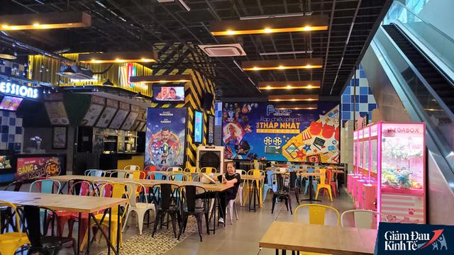 Rạp chiếu phim ở Hà Nội làm điều chưa từng trong ngày đầu mở cửa trở lại mùa Covid-19 - Ảnh 2.