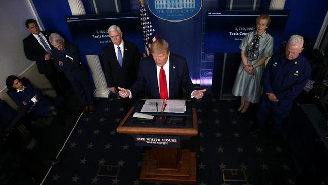 Đồng minh tuyệt vọng khi TT Trump bỏ rơi vị trí lãnh đạo của Mỹ giữa khủng hoảng đại dịch COVID-19 - Ảnh 1.