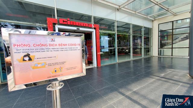 Rạp chiếu phim ở Hà Nội làm điều chưa từng trong ngày đầu mở cửa trở lại mùa Covid-19 - Ảnh 12.