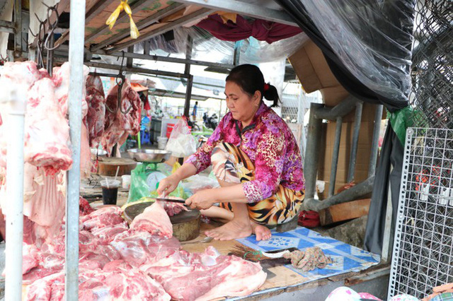 Chợ lớn nhất Phú Quốc nhộn nhịp sau giãn cách xã hội - Ảnh 16.  Chợ lớn nhất Phú Quốc nhộn nhịp sau giãn cách xã hội photo 15 1589121864637617592602