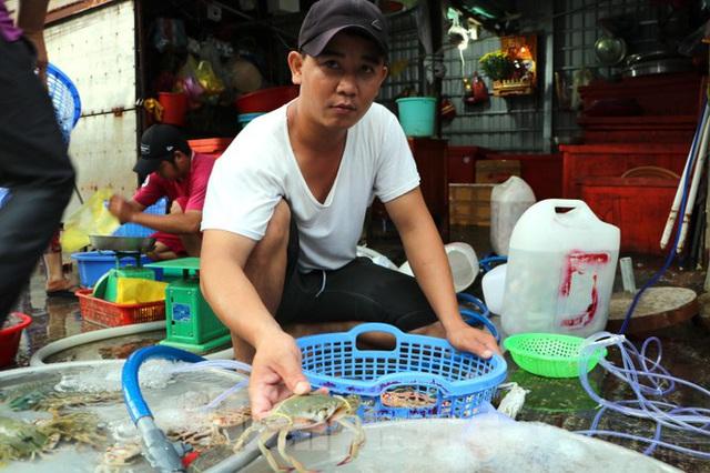 Chợ lớn nhất Phú Quốc nhộn nhịp sau giãn cách xã hội - Ảnh 8.  Chợ lớn nhất Phú Quốc nhộn nhịp sau giãn cách xã hội photo 7 1589121864623865485669