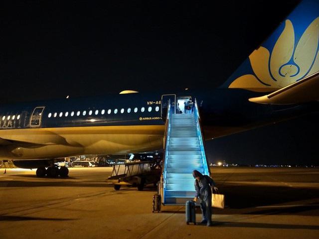 Hơn 270 công dân Việt Nam từ Malaysia về sân bay Đà Nẵng  - Ảnh 12.