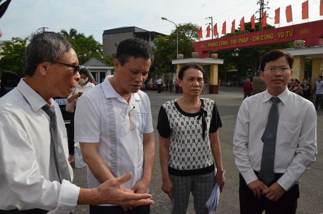 [ẢNH] Quang cảnh phiên xử vợ chồng chủ doanh nghiệp Lâm Quyết liên quan đến Đường Nhuệ - Ảnh 3.