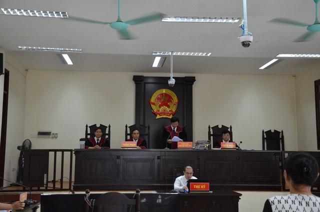 [ẢNH] Quang cảnh phiên xử vợ chồng chủ doanh nghiệp Lâm Quyết liên quan đến Đường Nhuệ - Ảnh 9.