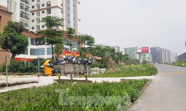 Cận cảnh khu chung cư bị đề nghị thanh tra vì làm mất đường đi ở Hà Nội - Ảnh 2.
