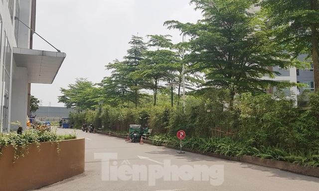 Cận cảnh khu chung cư bị đề nghị thanh tra vì làm mất đường đi ở Hà Nội - Ảnh 4.