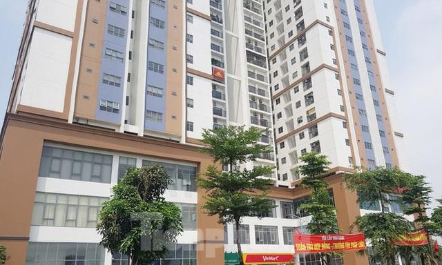 Cận cảnh khu chung cư bị đề nghị thanh tra vì làm mất đường đi ở Hà Nội - Ảnh 5.