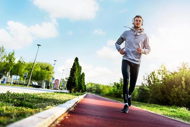 Người thực sự khỏe mạnh có đủ 8 dấu hiệu này: Cả tinh thần và thể chất đều tràn đầy sức sống, hãy xem bạn có được mấy điều? - Ảnh 2.