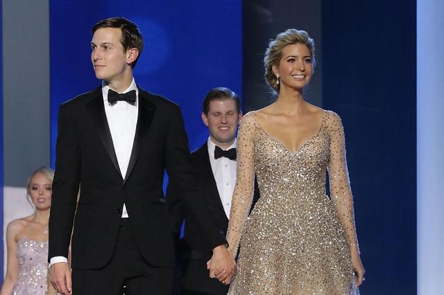 Tuyên ngôn thời trang Ivanka Trump trong các sự kiện quan trọng: Tinh tế có thừa, nhưng ẩn ý đằng sau mỗi trang phục mới là điều đáng quan tâm - Ảnh 13.