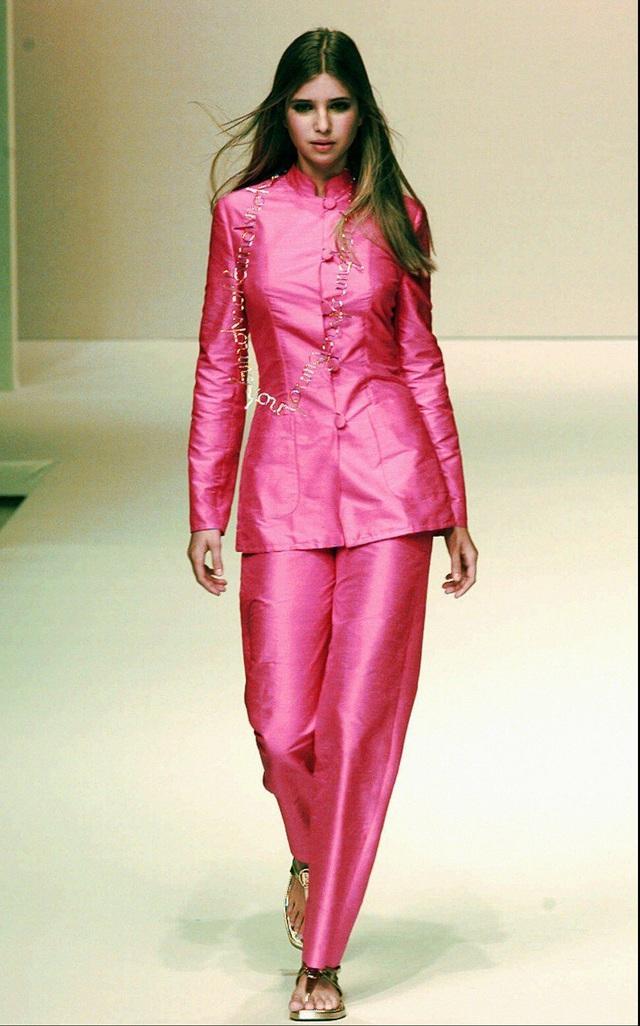 Tuyên ngôn thời trang Ivanka Trump trong các sự kiện quan trọng: Tinh tế có thừa, nhưng ẩn ý đằng sau mỗi trang phục mới là điều đáng quan tâm - Ảnh 1.