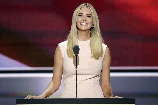 Tuyên ngôn thời trang Ivanka Trump trong các sự kiện quan trọng: Tinh tế có thừa, nhưng ẩn ý đằng sau mỗi trang phục mới là điều đáng quan tâm - Ảnh 12.