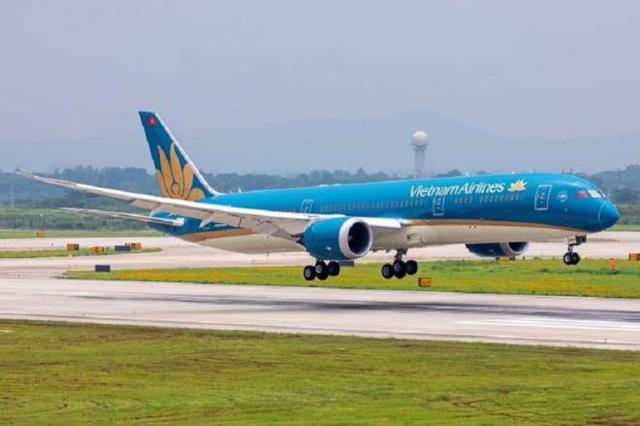 Việt Nam sẽ nối lại đường bay quốc tế tùy thuộc tình hình thực tế - Ảnh 1.