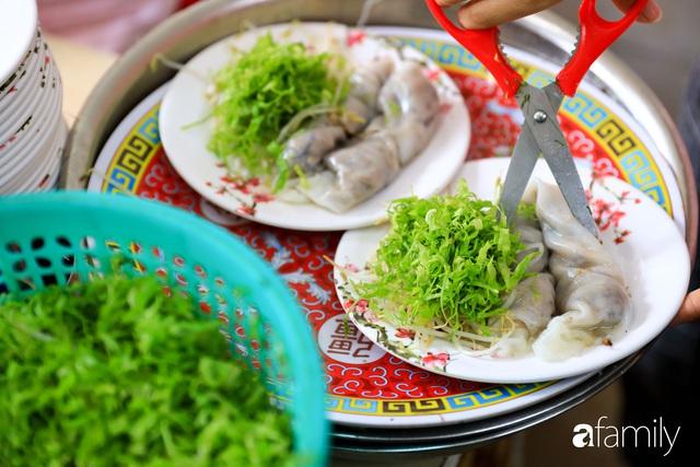 Bánh cuốn - món ăn lạ mà quen, càng nắng nóng càng được ưa chuộng tại Sài Gòn - Ảnh 15.