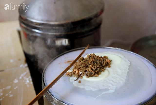Bánh cuốn - món ăn lạ mà quen, càng nắng nóng càng được ưa chuộng tại Sài Gòn - Ảnh 3.