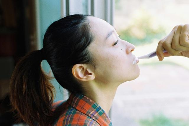Bộ ảnh lột tả văn hóa cô đơn của người trẻ Hàn Quốc: Thế hệ từ bỏ mọi thứ và sẵn sàng sống độc thân chỉ cần là vui - Ảnh 4.