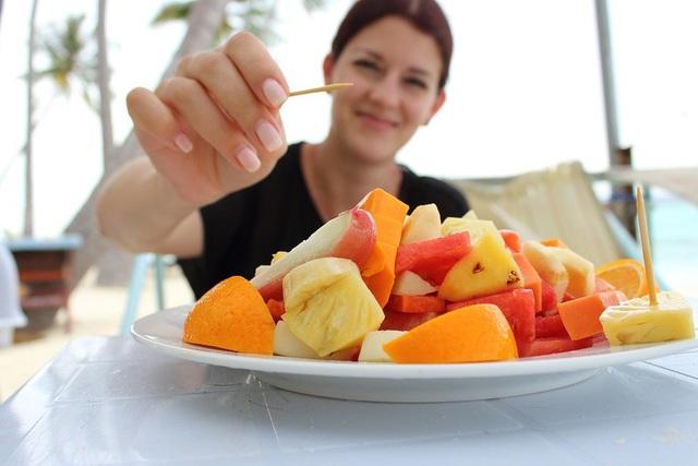 Đừng chờ lúc bị bệnh mới biết cách chăm sóc cho bản thân: Tránh ngay 8 thói quen xấu sau khi ăn gây bất lợi đủ đường cho cơ thể - Ảnh 3.
