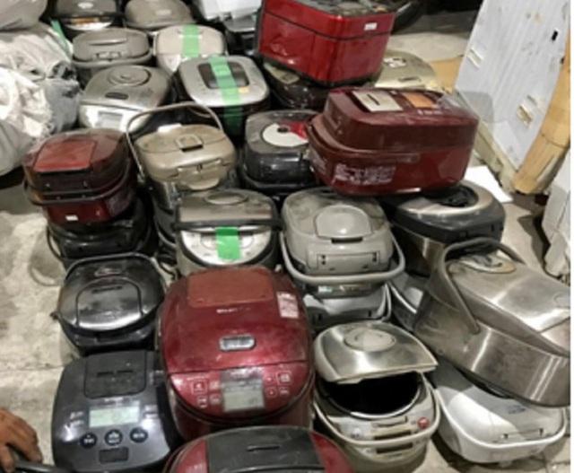 Bắt 2 vụ buôn lậu hàng điện tử trị giá hơn 1,7 tỷ đồng - Ảnh 2.