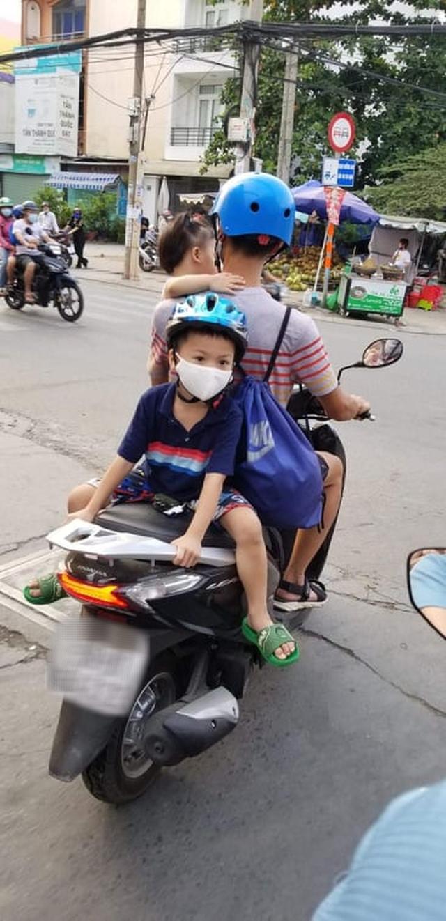Trẻ em gặp nguy hiểm do bất cẩn của người lớn khi tham gia giao thông: Thiếu sót nhỏ có thể dẫn đến hậu quả khôn lường - Ảnh 4.
