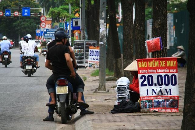 Bảo hiểm xe máy giá rẻ bán tràn lan, doanh nghiệp sẽ bị xử phạt  - Ảnh 1.