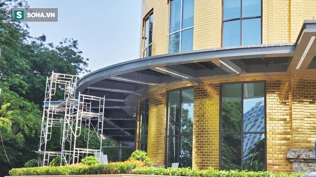 Ngắm tòa nhà dát vàng 24K từ chân đến nóc khủng nhất Hà Nội đang hoàn thiện - Ảnh 4.