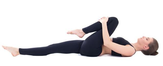 Yoga trị liệu: Chuyên gia Yoga Ấn Độ chỉ cách kiểm soát đau lưng và bài tập để hồi phục - Ảnh 9.