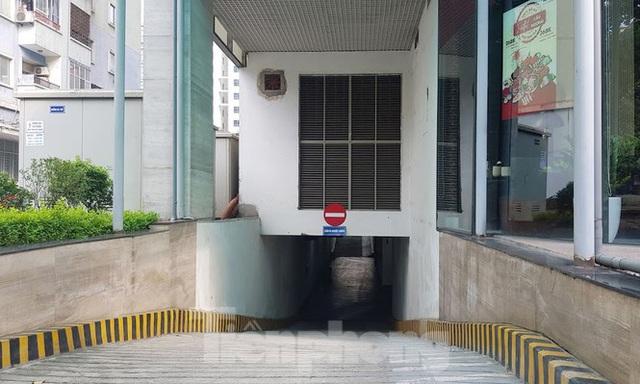Cận cảnh khu đất công làm bãi xe biến hình thành cao ốc ở Hà Nội - Ảnh 10.