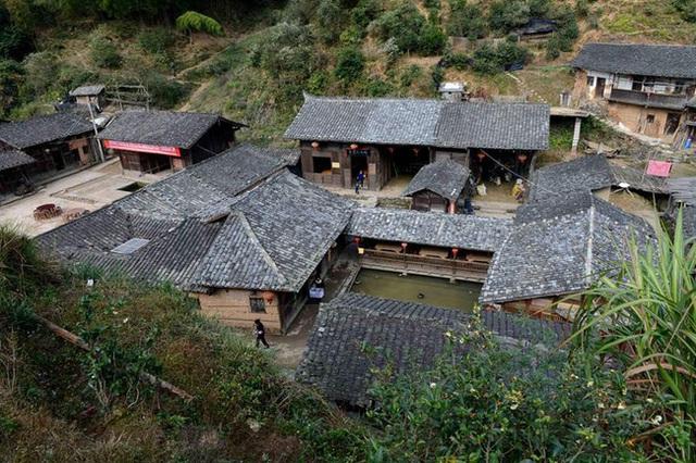 Bí ẩn đến nay vẫn chưa có lời giải đáp: Ngôi làng nằm trên núi không một con muỗi nào dám bén mảng đến suốt 100 năm qua - Ảnh 2.