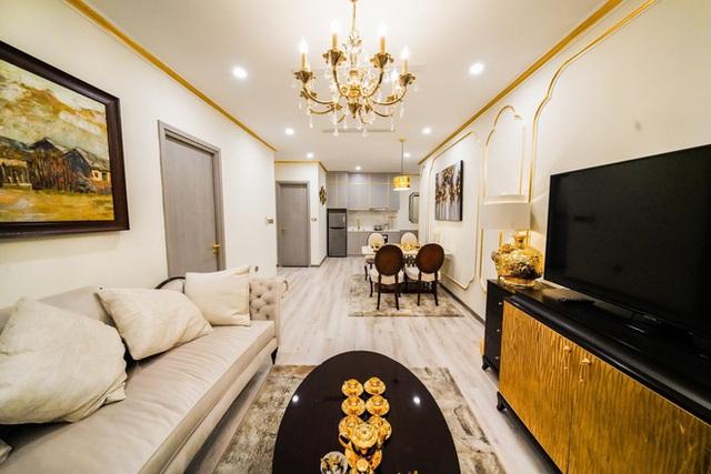 Cận cảnh căn hộ ở Hà Nội được dát vàng, giá siêu đắt 150 triệu đồng/m2 - Ảnh 3.