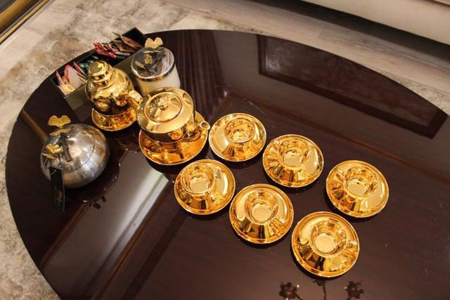 Cận cảnh căn hộ ở Hà Nội được dát vàng, giá siêu đắt 150 triệu đồng/m2 - Ảnh 6.