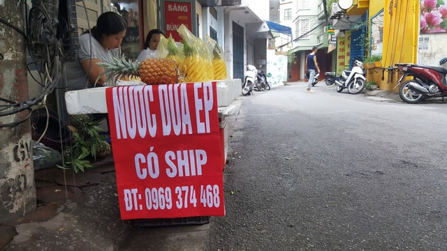 """Kinh doanh giải khát ở vỉa hè Hà Nội """"hốt bạc"""" mùa nắng nóng - Ảnh 2."""